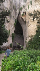 Syracuse, the archaeological park - Towards the Ear of Dionysos (Sokleine) Tags: archaeologiy antiquities antiquité history unescoworldheritage unesco heritage oldstones neapolis siracusa syracuse sicile sicilia sicily italia italie italy eu europe ear dionysos caverne grotte grotta cave