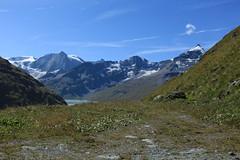 en route pour la cabane de Prafleuri (bulbocode909) Tags: valais suisse dixence montagnes nature paysages montblancdecheilon glaciers neige nuages vert bleu lacdesdix lacs groupenuagesetciel