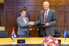 WIPO and Cuba Sign Agreement on ADR for IP Disputes (WIPO | OMPI) Tags: assemblies bilateralmeeting directorgeneral francisgurry gurry ompi wipo cuba