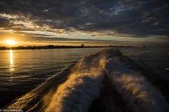 Halbe Stunde bis Hamburg (vmonk65) Tags: helgoland insel nikon nikond810 nordsee island northsea sonnenuntergang himmel wasser boot elbe fluss river