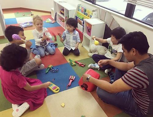 Sing a happy song with us! 一緒にハッピーな歌を歌いましょう✨ #kindergarten #preschool #daycare #music #tokyo #learn #friends #cutekids #東京 #保育園 #幼稚園 #子ども #楽しい #英語 #英語育児