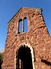 St Catherine's Chapel (ExeDave) Tags: p1160767 stcatherines chapel exeter devon sw england gb uk building architecture scheduled monument sm listedbuilding gradeii bombdamaged remains almshouses heavitree breccia dark red conglomerate stone sandstone beer beige limestone doorway catherine street october 2018 explore interestingness500 explored ruin