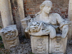 Italy, Vicenza... courtyard of the Teatro Olimpico (marek&anna) Tags: italy vicenza teatroolimpico teatro sculpture antiquesculpture brickwall