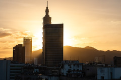 Sunrise Through My Window (Dooquie) Tags: daandistrict taipei taiwan tw newtaipeicity taipeicycle taipeitaiwan 101building sunrise adventure fun