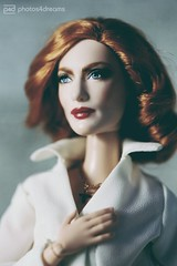 she wants to believe (photos4dreams) Tags: omgitsscullyp4d itsscullyp4d omg xfiles series xakten agent foxmoulder danascully gilliananderson toy plastic spielzeug actionfigure photos4dreams p4d photos4dreamz fbi thetruthisoutthere thefall ooak handpainted superintendentstellagibson
