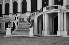 Famosa scalinata di Schönbrunn (fabrizio_buoso) Tags: noiretblanc nikonclubit biancoenero bw bianconero blackwhite blackandwhite vienna