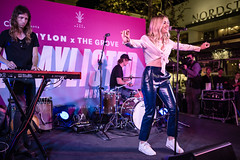 Katelyn Tarver 10/11/2018 #3 (jus10h) Tags: katelyntarver playlisted thegrove losangeles la nylon mag magazine citi privatepass caruso rewards shopping center live music free concert event performance park courtyard female singer young beautiful sexy talented artist nikon d610 2018 october thursday justinhiguchi