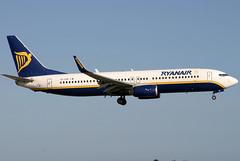 EI-CSR_01 (GH@BHD) Tags: eicsr boeing 737 738 b737 b738 737800 fr ryr ryanair airliner aircraft aviation dub eidw dublinairport dublininternationalairport dublin