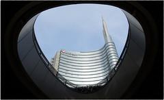 Palazzo Unicredit, Milano - Italia (Livio Saule) Tags: building palazzo milano italia torre tower lombardia contrasto