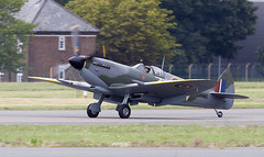 Spitfire (Bernie Condon) Tags: bigginhill airport londonbigginhill historic airfield airshow aviation display flying aircraft planes plane festivalofflight vickers supermarine spitfire warplane fighter raf royalairforce fightercommand ww2 battleofbritian military preserved vintage