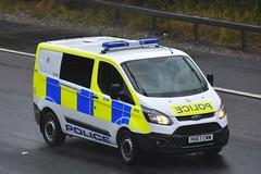 HX67 CWW (S11 AUN) Tags: hampshire constabulary police ford transit custom cell cage station van patrol car panda irv incident response vehicle safernieghbourhoodteam snt 999 emergency hx67cww