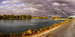 Anglų lietuvių žodynas. Žodis river reiškia n upė lietuviškai.