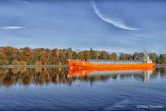 Indian Summer at the Kiel Canal (peterkaroblis) Tags: bäume trees herbst autumn indiansummer laub leaves farbe colour kielcanal nordostseekanal wasser water kanal canal schiff ship