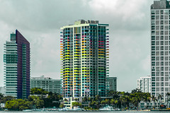 Colorful building (victorrosario_12) Tags: lightroom condo miami brickell colorfull