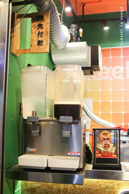 爸哥弟南洋風味食堂 椒麻雞腿飯視覺效果驚人!椒麻醬汁香氣十足又下飯【基隆美食】 @J&A的旅行
