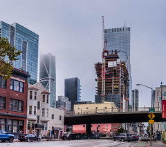 500 folsom rising (pbo31) Tags: bayarea california nikon d810 color fall october 2018 boury pbo31 sanfrancisco city urban folsomstreet rinconhill fog skyline construction marine layer panoramic large stitched panorama roadway traffic salesforce crane ramp baybridge
