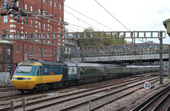 First Great Western . 43002 . Passing Royal Oak LUL Station , West London . Thursday 11th-October-2018 . (AndrewHA's) Tags: london royaloak station greatwestern railway first great western class 43 hst power car 43002 kenneth grange intercity 125