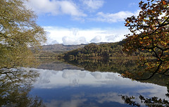 Llyn Dinas - Snowdonia (petersrockypics) Tags: llyndinas lake landcsape llyn snowdonia autumn autumncolours autumnal scenery scenicwater scenic weather welshmountains reflections reflection nikond5200 nikon