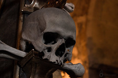 Skull (Frostfire Photography) Tags: kutnahora bonechurch skull bone church ossuary crypt grave sculpture dead death architecture graveyard monument sedlecossuary