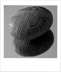 "Maori stone . . .le Mana HMF ""on the mirror"" (nickylechatreux) Tags: monochrome macro pierre stone hmf happymacrofriday nb bw onthemirror"
