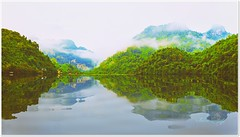 Murmures..... (Jolie ♪ (off)) Tags: northeastvietnam asia southeastasia morningbythelake reflection