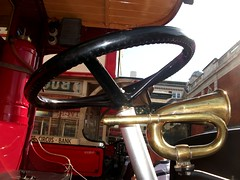 General B1609 steering wheel and bulb horn. 29/09/18. (Ledlon89) Tags: bus buses london londonbus londonbuses transport londontransport