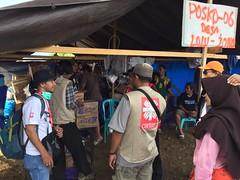 Hilfsgüterverteilung in Palu (Caritas international) Tags: katastrophe seebebentsunami erdbeben hilfsaktion visibility hilfsgüter hilfsgüterverteilung palu indonesien idn