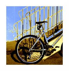 (Jean-Luc Léopoldi) Tags: plage sand sable côtedazur vélo escalier ombres psychedelic bicyclette bicycle sud