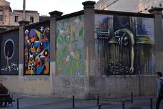 Sur le mur d'enceinte de la Tabacalera, calle de Michel Servet, Lavapiés, Madrid, Castille, Espagne. (byb64) Tags: madrid castille vieillecastille castilla castillalavieja eu europe europa espagne espana spain spagna spanien ue ville town city ciudad comunidaddemadrid citta lavapiés tabacalera tabacaleradelavapiés streetart fresque affreschi fresques frescoes frescos fresko