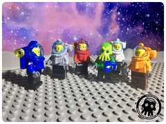 57-03 The Cap with his Crew (captainmutant) Tags: afol classic space lego ideas legospace legography photography minifig minifigs minifigure minifigures moc sciencefiction science fiction scifi exploration brickography toy custom