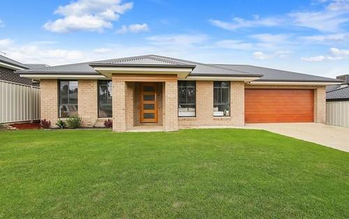 9 Eyre Ct, Lavington NSW