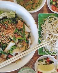 asian food trip | vietnamese | pho huynh girrawheen 👫 #doods #092118 #shaui 📷 #oneplus5 #snapseed #shotononeplus 🎬 #excitedphotons #doodspajares #mobilephotography (tinge of orange) Tags: instagram ifttt