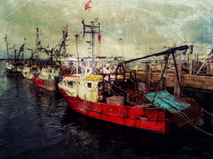 A Few Good Boats, MacMillan Wharf, Provincetown, MA 2018 (augenbrauns) Tags: capecod wharf dock distressed grunge creativecapecod painterly red provincetown ptown macmillanwharf boats