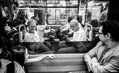 hello (Jack_from_Paris) Tags: l1011389bw leica m type 240 10770 leicasuperelmarm13421mmasph 21mm 11145 dng mode lightroom capture nx2 rangefinder télémétrique bw noiretblanc monochrom wide angle paris street métro tube sourire smile hello se voir regards enfant homme femme personnes fenêtre window