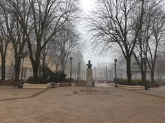 Plaza de la república Valdivia - Chile (mariabustosz) Tags: plaza estatua parque nublado frío arboles árbol