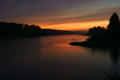 Sonnenaufgang (Lutz Blohm) Tags: sonnenaufgang sunrise ölhafenspeyer rhein speyer sonyalpha7aiii sonyfe24105mmf4goss fluskilometer400