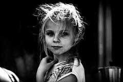 Manon (PaxaMik) Tags: portrait portraitnoiretblanc noiretblanc contraste face visage