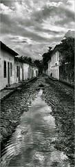 Fluxo Das Marés Foto Marcus Cabaleiro Site: https://marcuscabaleirophoto.wixsite.com/photos Blog: http://marcuscabaleiro.blogspot.com.br/ #marcuscabaleiro #paraty #rj #brasil #FluxoDasMarés #maré  #maréalta #marébaixa #mono #fotografia #arte #brazil #mono (marcuscabaleiro4) Tags: brazil maréalta brasil céu contraste paraty arte mono nikon white blackandwhite marcuscabaleiro bw photographer detalhes fluxodasmarés monocolor black fotografia marébaixa linhas pb pédemoleque arquitetura rj maré monochrome tonsdecinza photography
