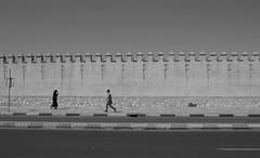 Sfiorarsi (Gaia Luce in Alchemica Mistura) Tags: incroci incontri confini marocco agadir souk