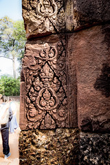 Detailed Bas-Relief Carvings on the Red Sandtone on the Wall of Banteay Srei Temple, Angkor, Cambodia-21 (Yasu Torigoe) Tags: banteaysrei siemreapprovince cambodia kh