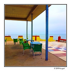 quiet lounge (harrypwt) Tags: harrypwt africa afrika samsungs7 s7 city travel ghana accra 11 square borders framed green lounge hotel colorful