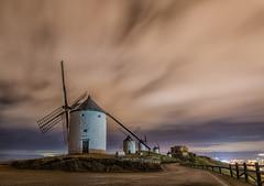 Rucio. (Amparo Hervella) Tags: consuegra toledo españa spain paisaje nube molino noche nocturna largaexposición d7000 nikon nikond7000
