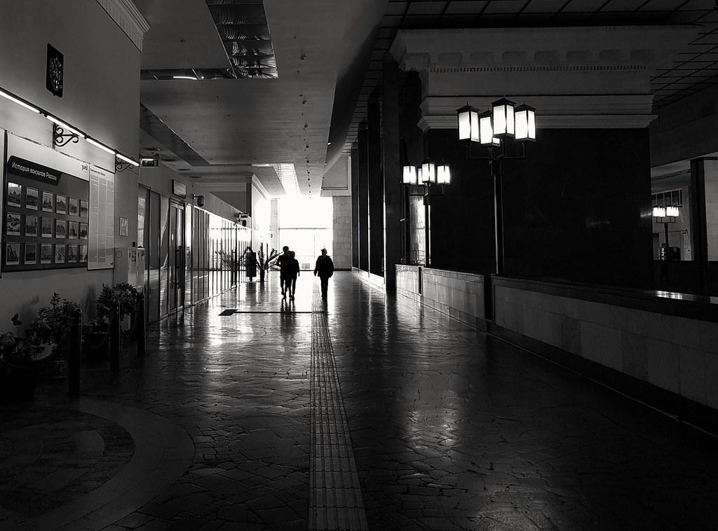 фото: railway station