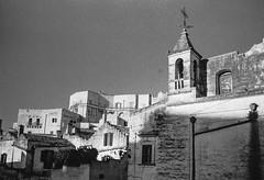 Via Fiorentini, Matera, Basilicata, Italy (Postcards from San Francisco) Tags: konicahexaraf berggerpancro400 rodinal matera basilicata italia
