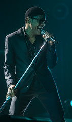 Maxwell at the Saenger Theater