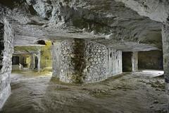 Croisement (flallier) Tags: carrière souterraine tuffeau underground limestone quarry chalk croisement consolidation maçonnerie galeries tunnels