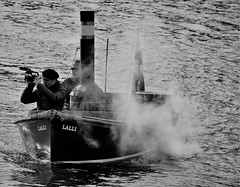 IMG_0636 (www.ilkkajukarainen.fi) Tags: blackandwhite mustavalkoinen monochrome steam ship höyry laiva regatta hietalahti neri sea autumn 2018 syksy suomi finland finlande happy life helsinki travel travelling visit lalli