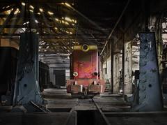 Bahnausbesserungswerk (7) (david_drei) Tags: lostplace decay train lok rays sonnenstrahlen colorkey abandoned urbex urbanexplorer polen poland verlassen raw bahnausbesserungswerk einäugig