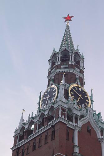И вы, часов кремлевские бои