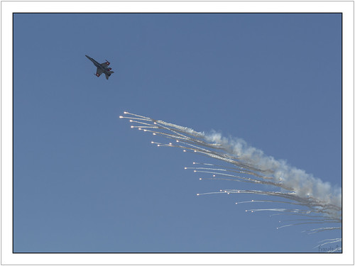 Counter measure flare with an F-18 Swiss Air Force
